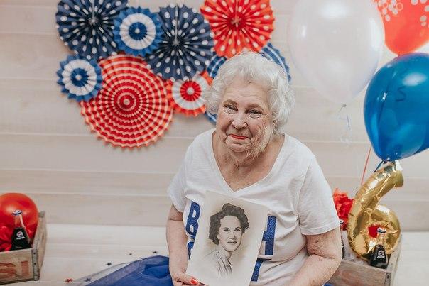 Фотограф Кортни Клапп уговорила свою бабушку на фотосессию в 76-й день рождения