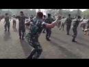 Tancyet voennoslyzhaschii Khalwa Alya Nairi Poyot Biz toby i Baktiyar Toktorov Iilai iilai Byi byi