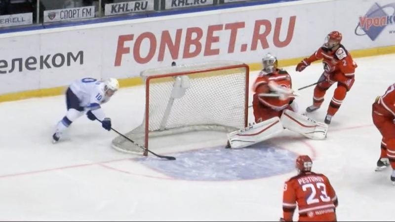 Михайлис забивает из-за ворот