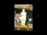 นักร้องสาวแจงแล้ว !! หลังเจอวิจารณ์หนัก ไม่ได้ใส่กางเกงในขึ้นร้องเพลง แถมท้าให้มาดู
