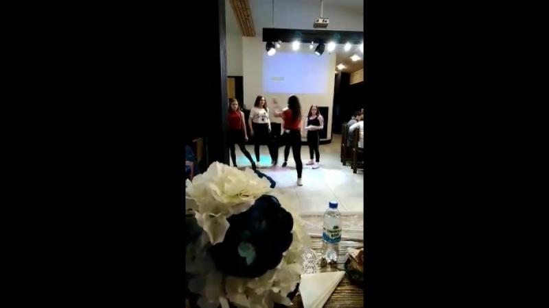 выпускной танец в Saray