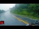 ♡ Мотоциклист спас свою девушку после аварии ♡