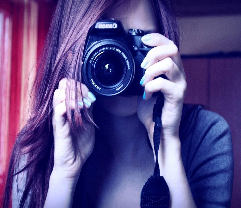 фото девушек на пляже в очках рыжие