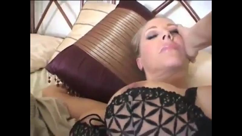 Зрелая сексуальная мамка давалка с большими сиськами и большой попкой Зрелые бляди mil
