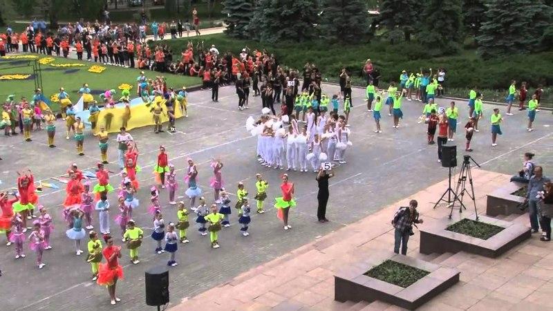 18.05.2012 - проведена онлайн трансляция «Парада танца Квадриль» для Книги рекордов Гиннесса