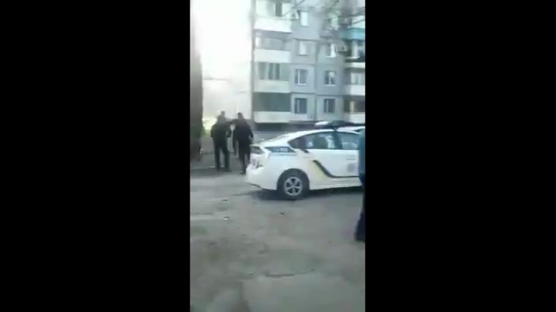 Сотрудница новой патрульной полиции... - Alexandr Volkov