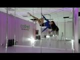 Мария Нех тренер школы воздушной акробатики BAMBOO
