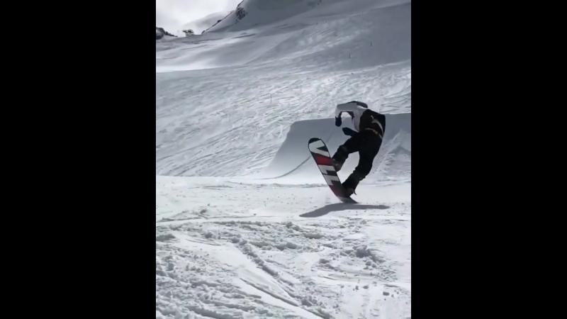 Massive knuckle trick