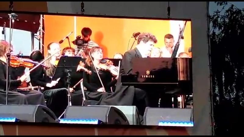 Сергей Рахманинов  Концерт для фортепиано с оркестром №2 до минор, соч. 18 II. Adagio sostenuto III. Allegro scherzando Солист —