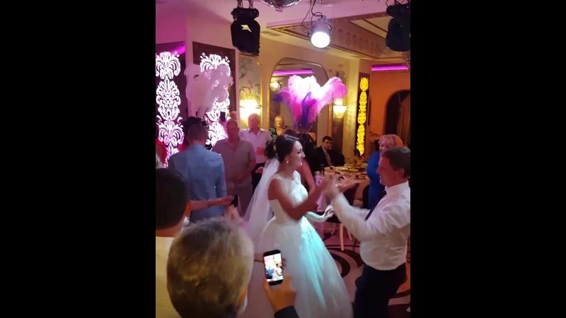Выступление нашего шоу на свадьбе, зажигаем с молодоженами и гостями