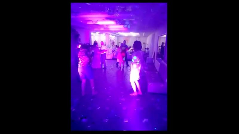 Зажигательные танцы на Свадьбе Ивана и Светланы 14.07.2018 р-н Игуана