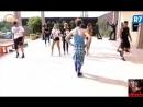 Tutu Morasi ensina coreografia para peões se apresentarem