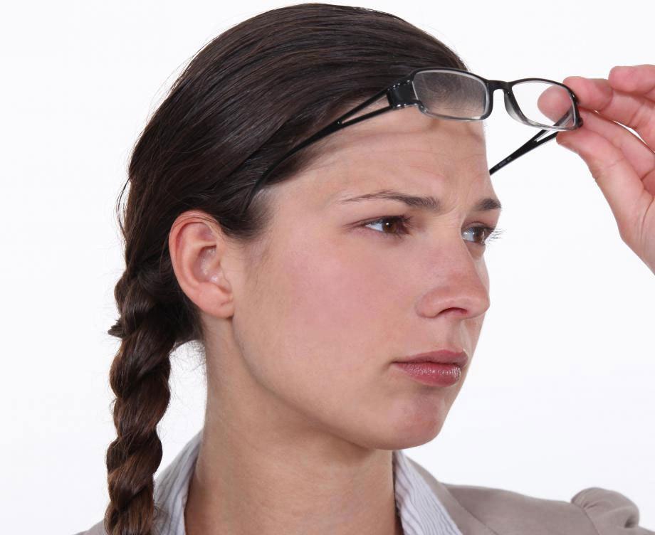 Коррекция зрения изменяет роговицу