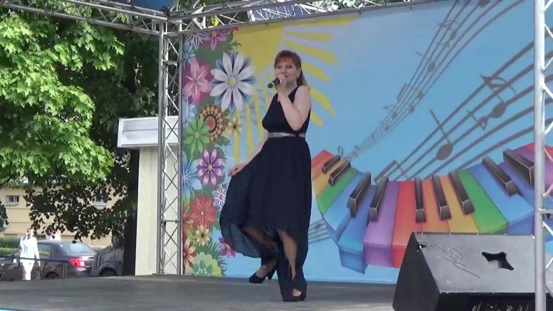 Поёт лауреат международных конкурсов Оксана Дроздова. Юность Кронштадт 2018 г. вид. 843