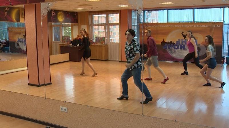 Танцующие в Краснодаре шоу на трех языках представила школа мюзикла для непрофессионалов