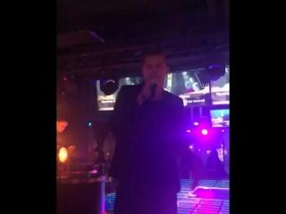 Дмитрий Тарасов посвятил песню располневшей Анастасии Костенко