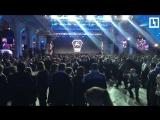 Владимир Путин выступает перед рабочими ГАЗа