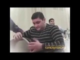 Армянский барабан. Круто играет на барабане, ЖЕСТЬ Мужик делает такооое, все офигели