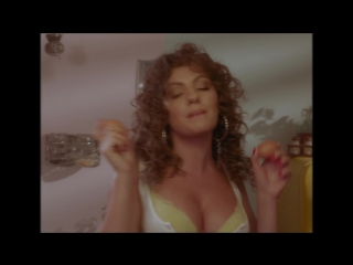 Александра Стан (Alexandra Stan) в клипе Mami  (2018) 1080p