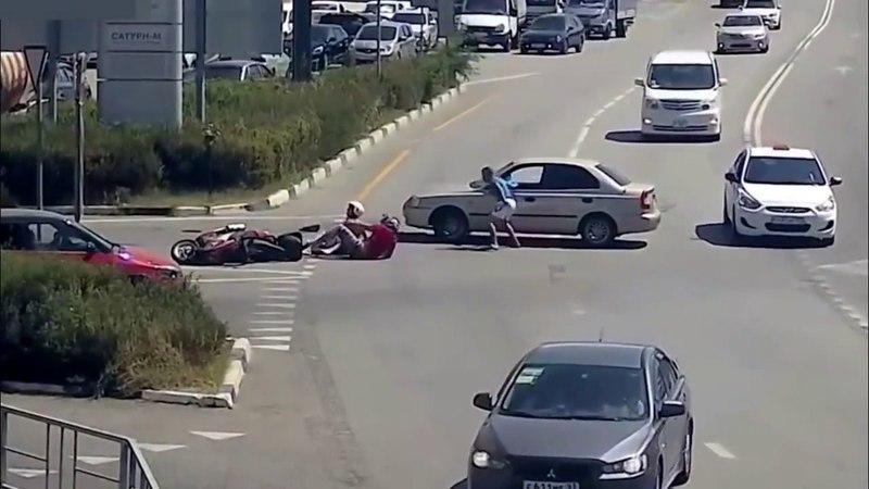 Мировые худшие водители на автомобилях и скутерах