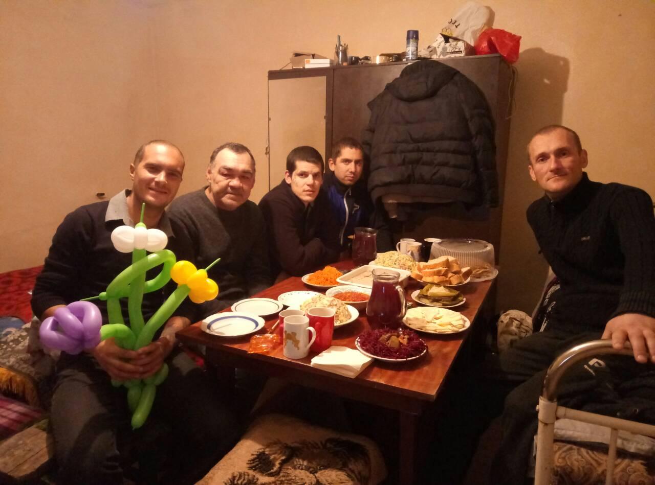 Помощь алкоголикам в ребцентрах украина кодирование от алкоголизма цены Москве