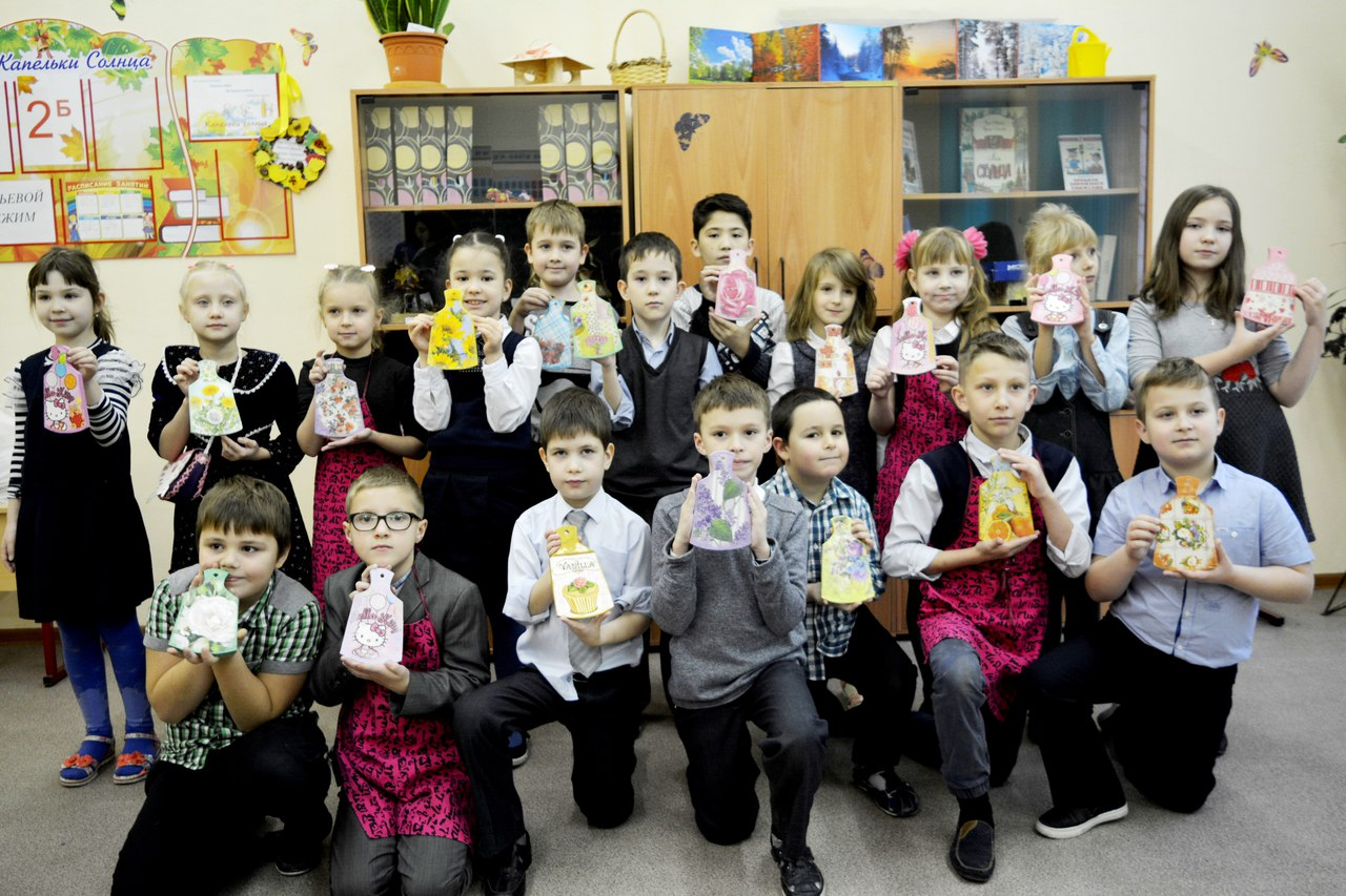 мастер-класс по декупажу для школьников района Перово (коллективное фото)