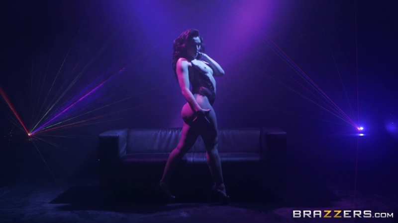Смотрим Brazzers Анал Порно It's Going To Be Lit Mandy Muse Mick Blue BW BBig Wet Butts July 12, 2018