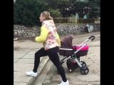 Как тренироваться после родов на прогулке с малышом