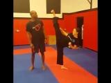 Девушки в боевых искусствах. Подготовка бойца https://vk.com/oyama_mas