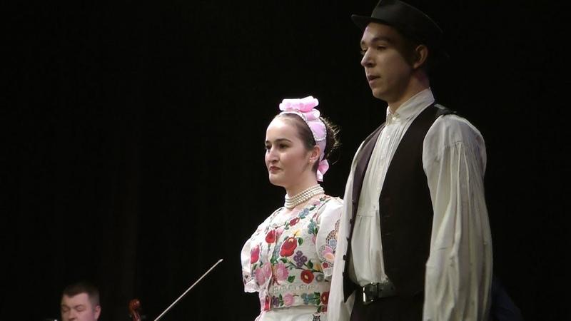 Júlia s Róbert Kalocsai táncok