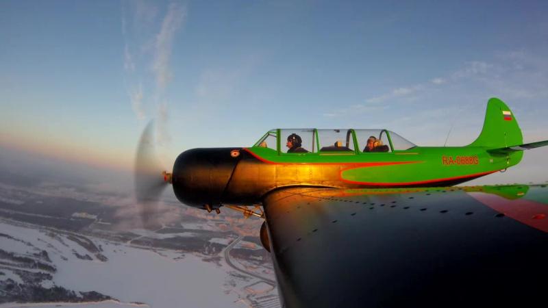 Лена на Як-52