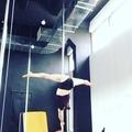 """Kseniia Ermakova on Instagram: """"Серия видео под названием: найди брасманку в каждой связке продолжается. #poledance #брасманка - трюк-паразит))"""""""