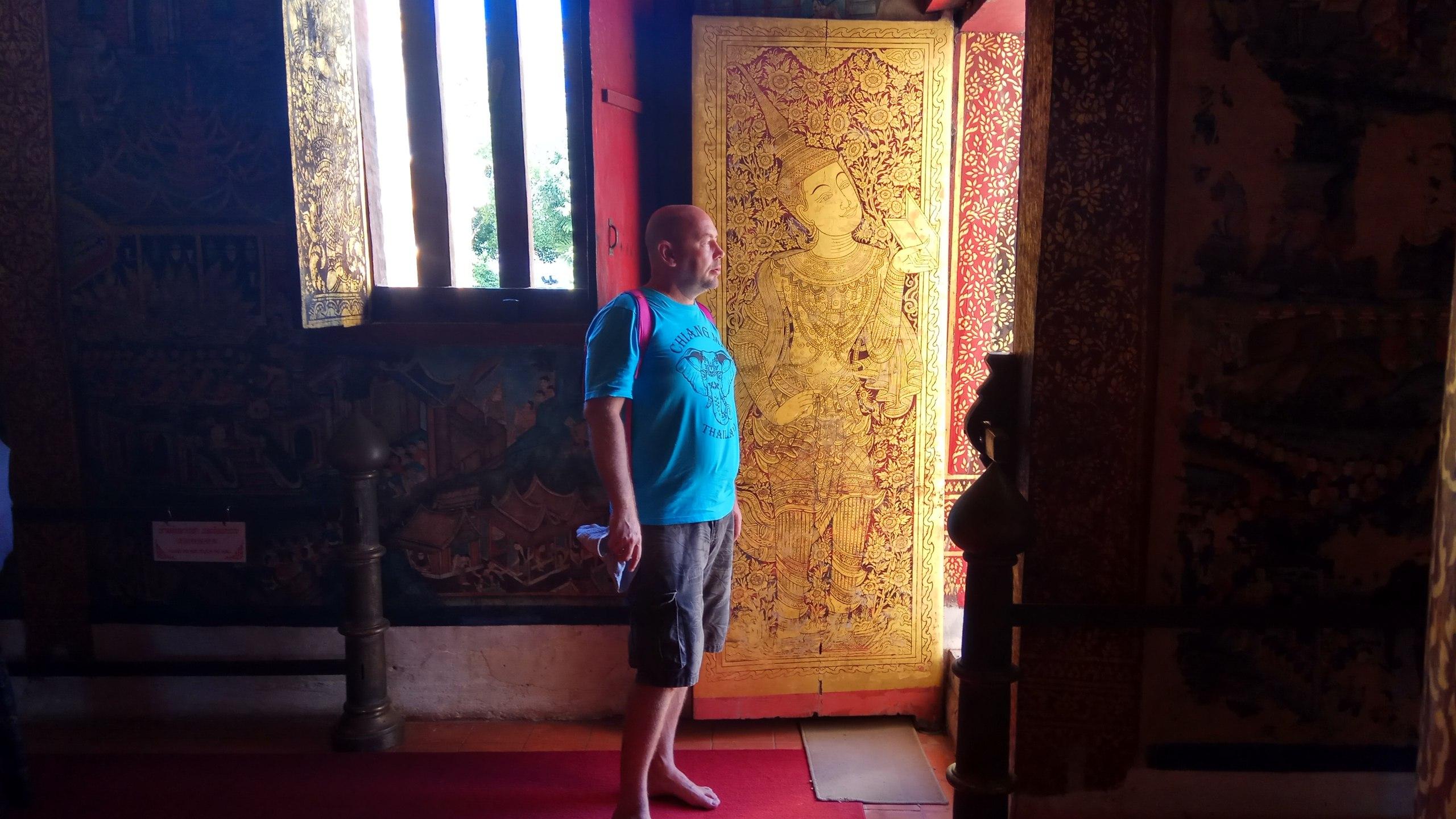 храм в чиангмае в таиланде