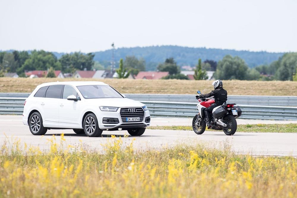 Ducati и Audi провели первую демонстрацию технологии V2X