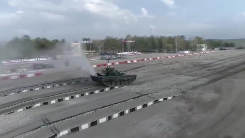 Первые заезды индивидуальной гонки танковых экипажей в рамках всеармейского этапа конкурса Танковый биатлон-2018 АРМИ2018