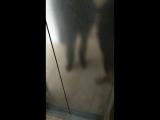 ужжжж очень красивый пол в лифте.