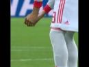 Piqu found a bird in the lawn right before the match vs Iran