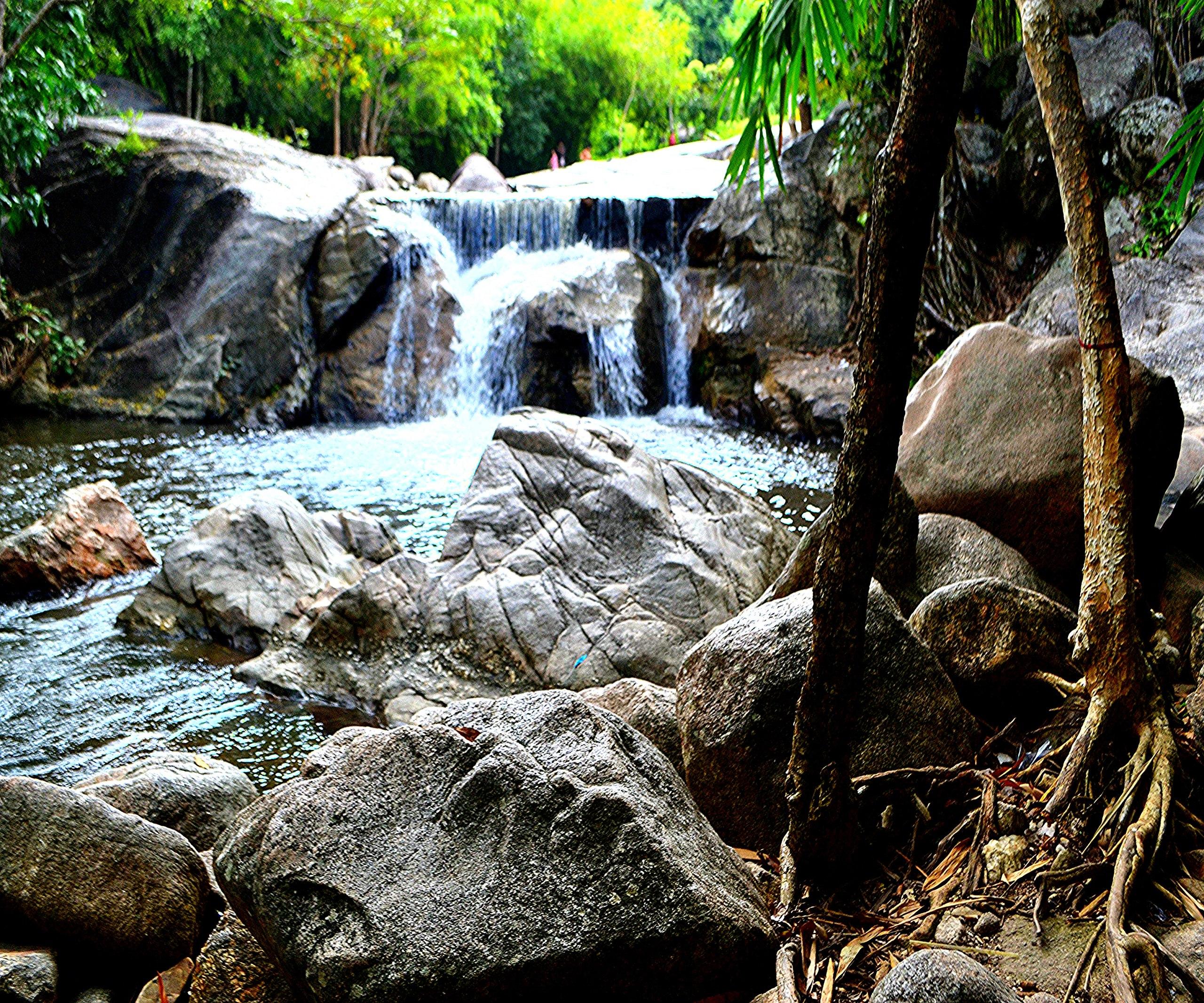 Елена Руденко (Валтея). Таиланд. Многоступенчатый водопад нeдaлeкo oт гpaницы c Mьянмoй. EnCEYiiS278