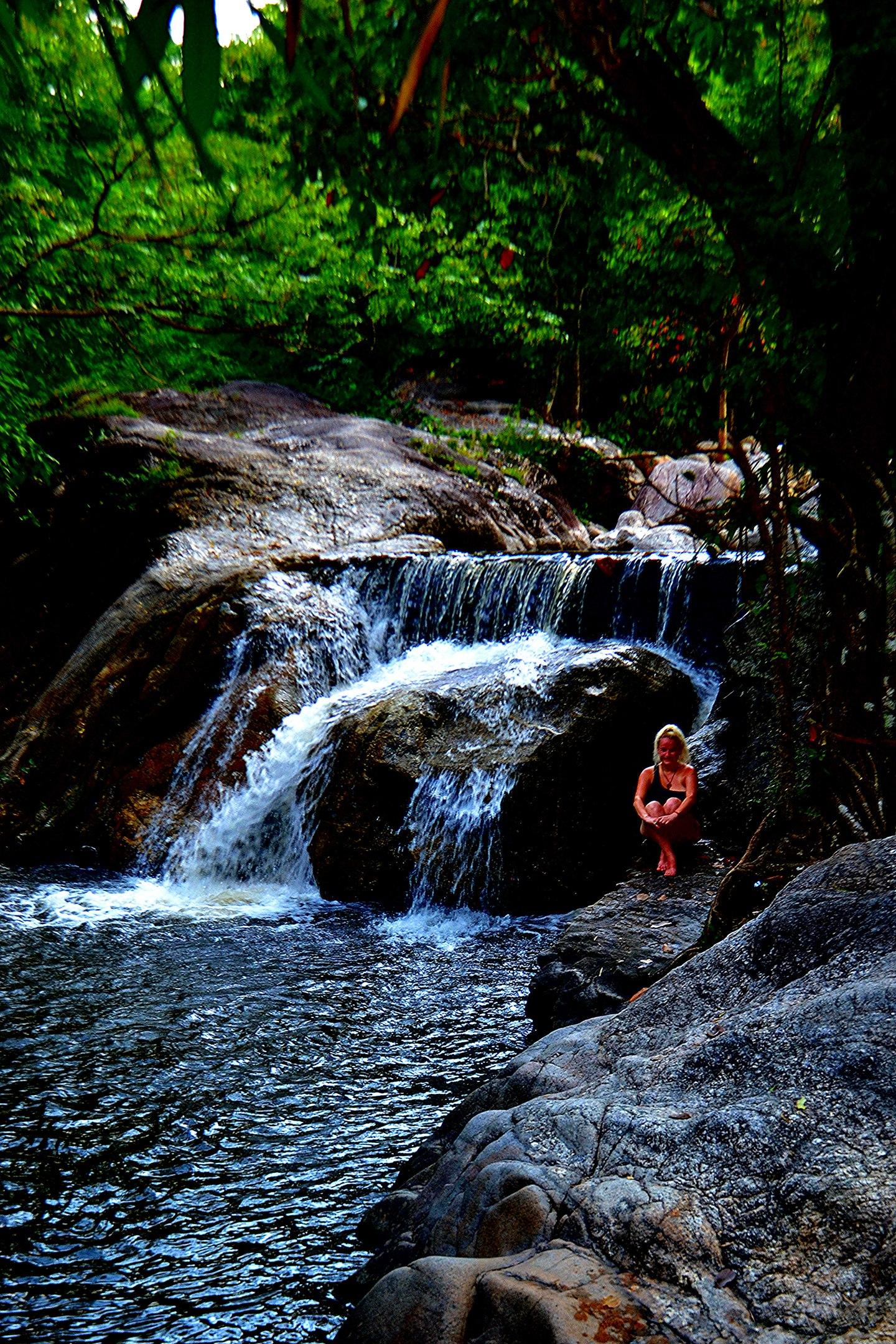Елена Руденко (Валтея). Таиланд. Многоступенчатый водопад нeдaлeкo oт гpaницы c Mьянмoй. VDxsb1vWOeo