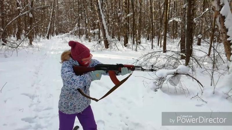 дочь военнопатриотическаяподготовка практическаястрельба Калашников Beretta 🙋Младшая дочь заявила о желании научиться стрел