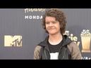 Алиша и актёры сериала «13 причин почему» на ковровой дорожке MTV Awards