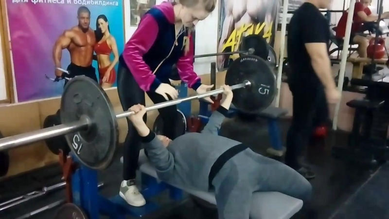 Самые топовые девушки спортклуба ТИТАН