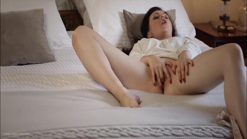 видео мастурбации одинокой женщины боялся, что она
