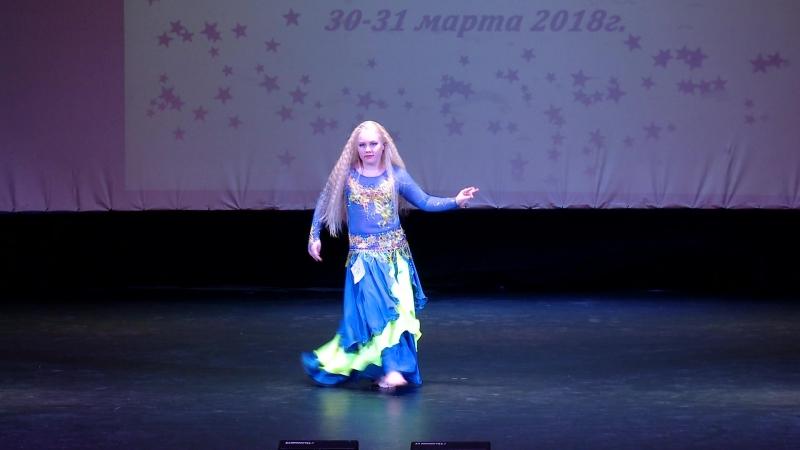Сотникова Арина