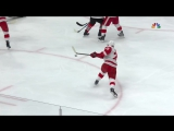 Mike Green takes pass, one times it past Jeff Glass
