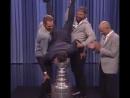 Овечкин и Холтби пришли на The Tonight Show и окунули Фэллона в Кубок Стэнли держа его вниз головой
