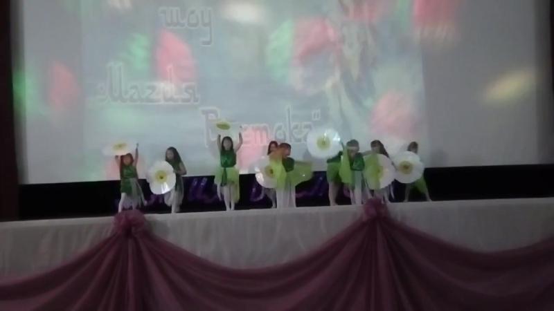 Дети студии восточного танца Энджой танец ромашки