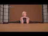 Gymnast Elza is amazing flexible