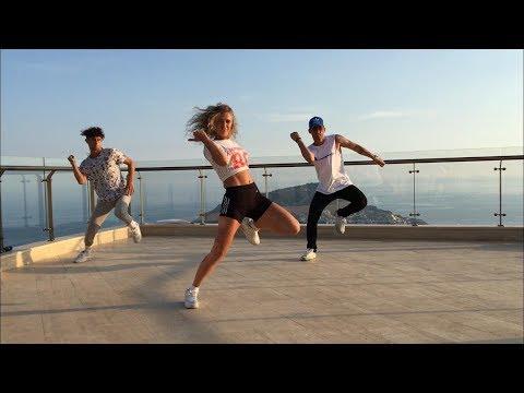 CliQ - Wavey Choreography