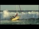 Яхта и огромные волны
